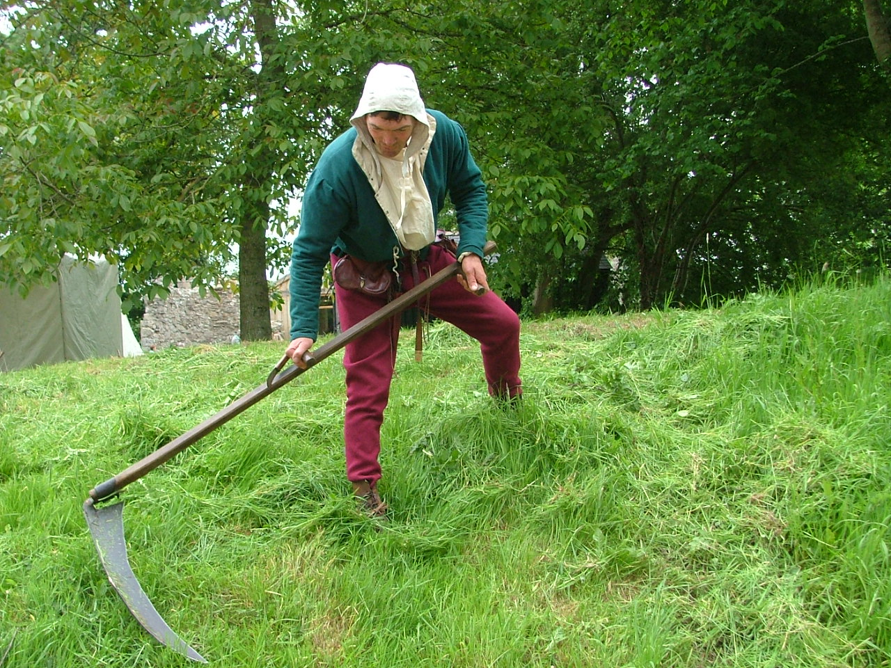 FIRST MAKE YOUR SCYTHE The Historic Gardener